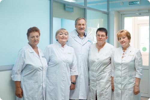 Врачи-онкологи